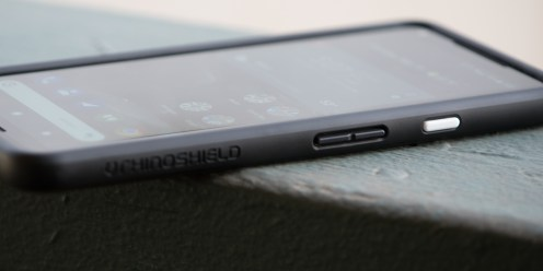 dbrand-grip-vs-rhinoshield-crashguard-10